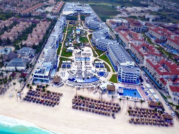 Popular All-inclusive hotel Royalton Reveal, Punta Cana