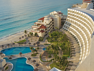 Popular All-inclusive hotel in Mexico Grand Park Royal Cancun Caribe