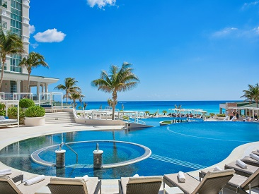 Popular All-inclusive hotel in Mexico Sandos Cancun Lifestyle Resort